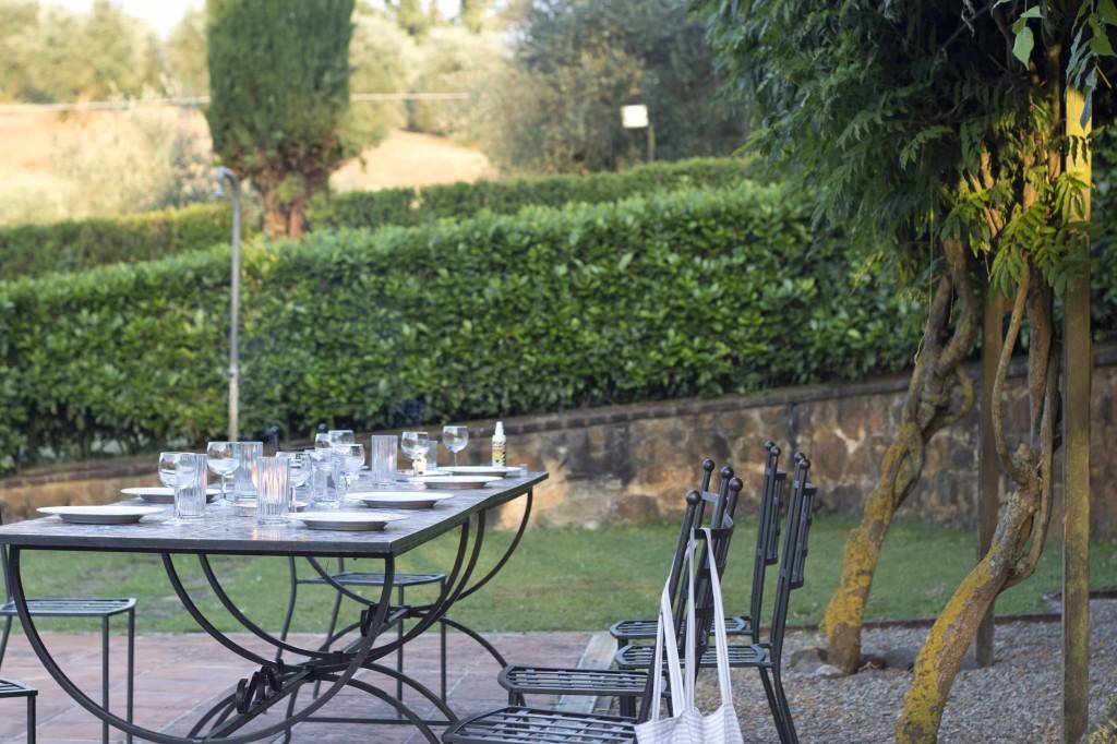 Table set for dinner al fresco