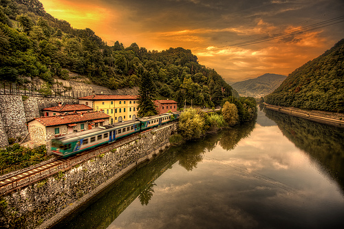 Train by Giuseppe Moscato