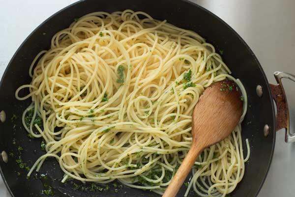 aglio e olio pasta