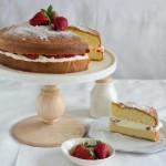 meimanrensheng.com torta genovese with cream and strawberries 2