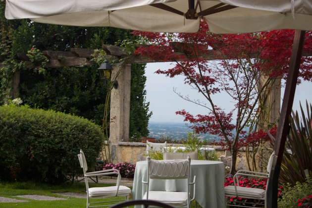 Breakfast in the garden at Villa Cipriani