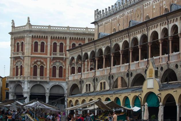 Palazzo della Ragione and Piazza della Frutta