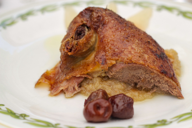 papero alla frutta (a duck with fruit recipe from 1600)
