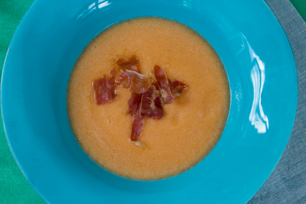 Cold melon soup with prosciutto crisps