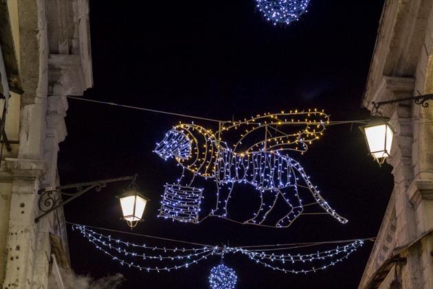Christmas lights with Venice's signature lion emblem