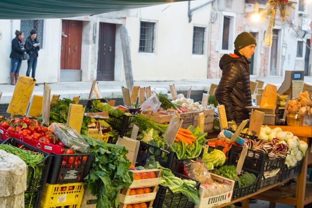 Verduriere, a floating greengrocer