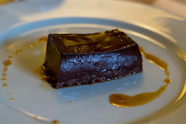 Bonet / Bunét (chocolate custard with rum and amaretti, sometimes with coffee powder or walnuts)