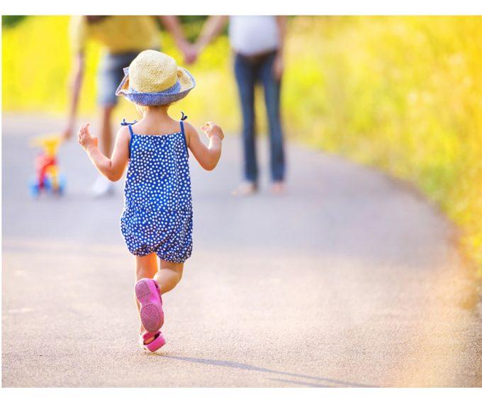 child running summertime