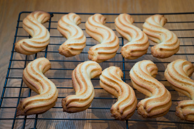 Esse biscuits from Veneto cooling